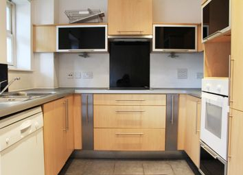 Thumbnail 4 bed flat to rent in North Point Square, Islington
