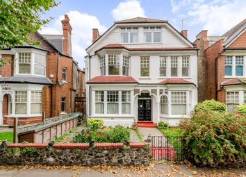 Thumbnail 2 bed flat to rent in Princes Avenue, Muswell Hill