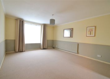 Thumbnail 2 bed flat to rent in Horsham, West Sussex