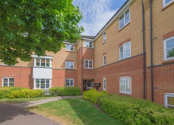 Thumbnail 2 bedroom flat to rent in Plomer Avenue, Hoddesdon
