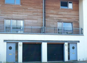 Thumbnail 4 bed town house to rent in South Victoria Dock Road, City Quay, Dundee