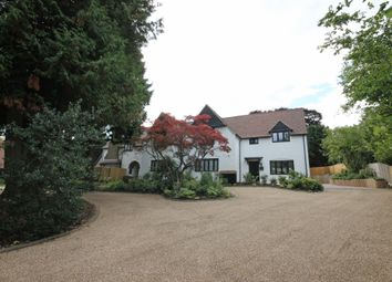 Thumbnail 2 bed flat to rent in Dacre Close, Chipstead, Coulsdon