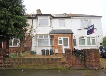 Thumbnail 3 bedroom flat to rent in Manor Grove, Richmond