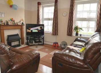 3 bed flat to rent in Kenton Road, Kenton, Harrow HA3