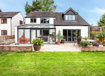 3 Bedrooms Detached house for sale in Newcastle Road, Astbury, Congleton CW12