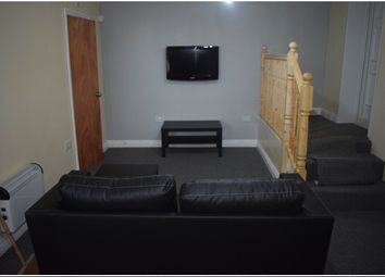 Thumbnail 1 bed flat to rent in Wakefield Rd, Bradford