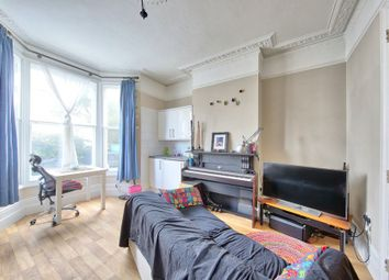 Thumbnail 1 bed flat to rent in Leppoc Road, Clapham