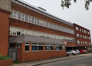 Thumbnail Office to let in Clody House 90-100, Third Floor, Collingdon Street, Luton