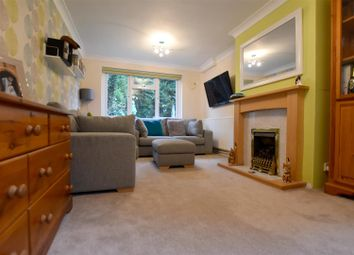 Thumbnail 2 bed property to rent in Park Lane East, Reigate