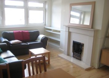 Thumbnail 2 bed flat to rent in Oakhill Road, Putney, London