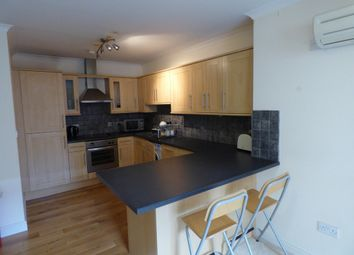 Thumbnail 2 bedroom flat to rent in Wood Street, Swindon