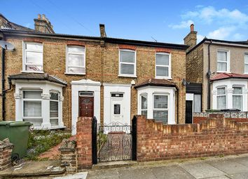 3 bed end terrace house for sale in Glenfarg Road, London SE6