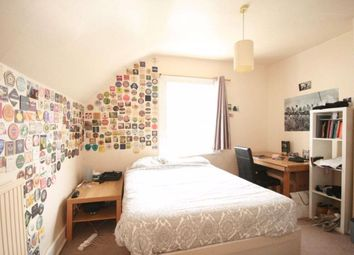 2 bed flat to rent in Whittingstall Road, Fulham SW6