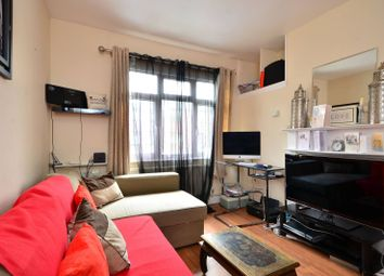 Thumbnail 2 bed flat to rent in Love Lane, Mitcham
