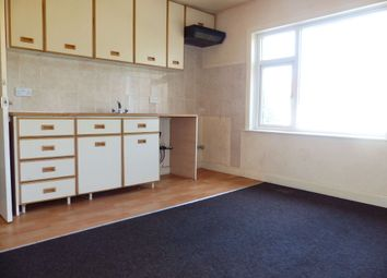 2 bed flat to rent in Spen Lane, Gomersal, Cleckheaton, West Yorkshire BD19