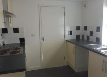 Thumbnail 1 bed flat to rent in Victoria Road, Torquay