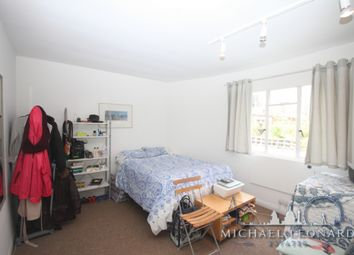 Thumbnail Studio to rent in Gloucester Terrace, Paddington