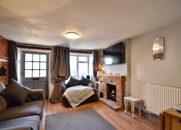 Thumbnail 2 bed cottage for sale in North Street, Bicester