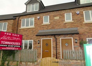 Thumbnail 3 bed town house to rent in Newbigg, Westwoodside