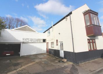 Thumbnail 4 bed cottage for sale in Cliff Hill, Gorleston