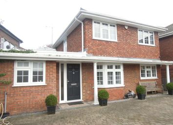 Thumbnail 3 bedroom detached house to rent in Langley Road, Langley, Slough