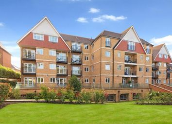 Thumbnail 2 bed flat for sale in Hendon Lane, Finchley Central, London
