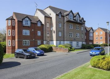 Thumbnail 1 bedroom flat to rent in Ashdown House, Rembrandt Way, Reading, Berkshire