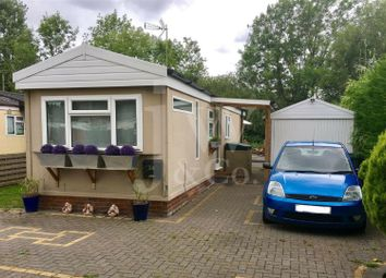 Thumbnail 1 bed mobile/park home for sale in Frogmore Home Park, Park Street, St.Albans