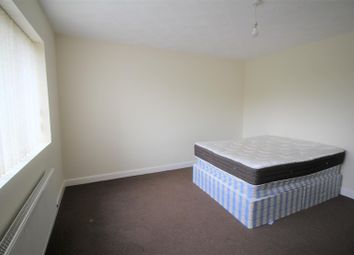 Thumbnail 3 bedroom flat to rent in Radcliffe Road, Bolton