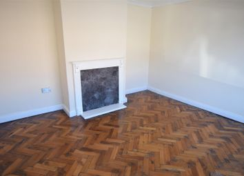 Thumbnail 3 bed flat to rent in Holland Way, Barry