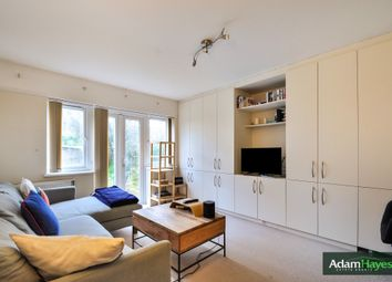 2 bed maisonette for sale in Granville Road, London N12