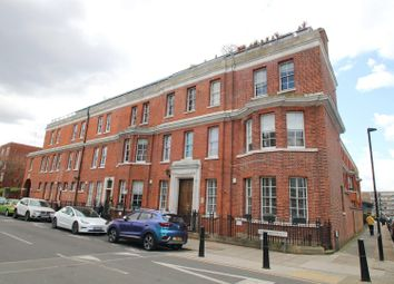 East Arbour Street, London E1. 2 bed flat for sale