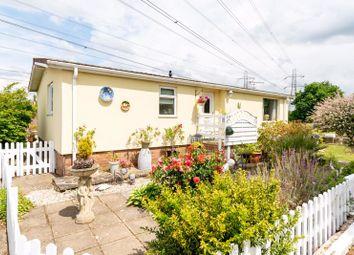 2 bed mobile/park home for sale in Wey Meadows, Weybridge KT13