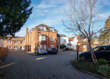 High Street, Hartley Wintney, Hook RG27. 2 bed flat