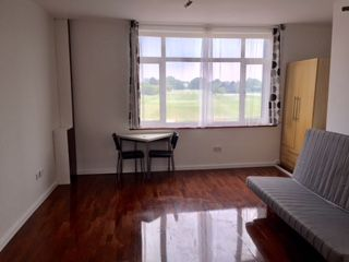 Thumbnail 1 bed flat to rent in Catford Road, London