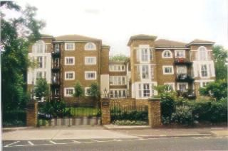 Thumbnail 2 bedroom flat for sale in Evesham Court, Richmond