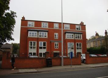 Thumbnail 2 bed flat to rent in 35 Bargate, Grimsby