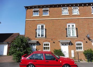 Thumbnail 3 bed town house to rent in Leigh Road, Sittingbourne