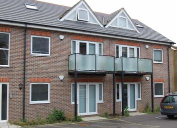 Thumbnail 1 bed flat to rent in Hartley Court, High Town, Luton