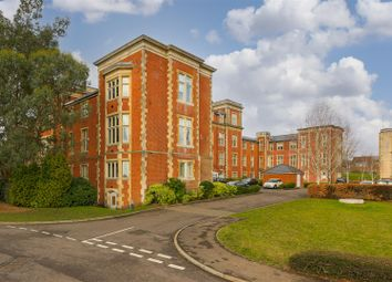 Royal Earlswood Park, Redhill RH1. 1 bed flat for sale