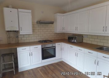 Thumbnail 3 bedroom flat to rent in Penarth Road, Cardiff