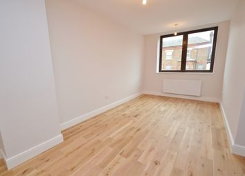 Thumbnail 2 bedroom flat to rent in East Barnet Road, Barnet
