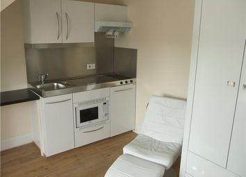 Thumbnail Studio to rent in Flat 8, 24 Newmarket Road, Cambridge