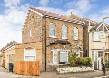 Thumbnail 4 bed flat to rent in Godwin Road, London