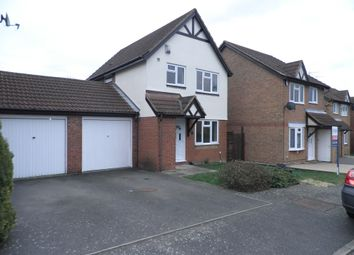Thumbnail 3 bedroom detached house to rent in Farmbrook, Luton, Beds