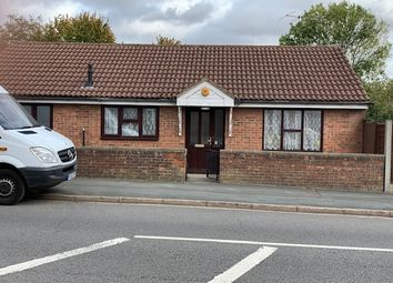 Thumbnail 3 bed detached bungalow to rent in Icknield Way, Luton