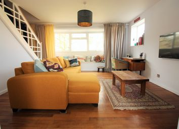 2 bed maisonette for sale in Mountwood, West Molesey KT8