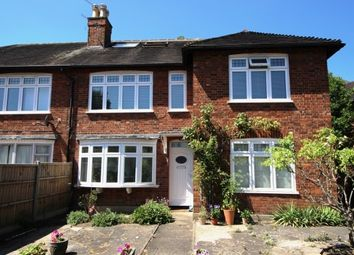 3 bed maisonette to rent in Courtlands Avenue, Kew, Richmond TW9