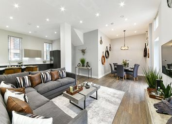 Callis Yard, Woolwich SE18. 3 bed flat for sale
