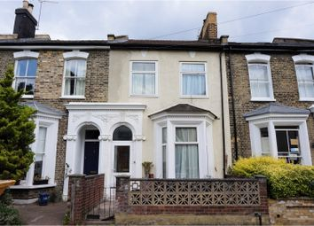 Thumbnail 4 bed terraced house for sale in Fassett Square, Hackney